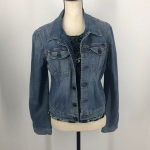 A. G the essential Jean jacket.